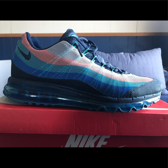 Nike Air Max </p>                     </div> 		  <!--bof Product URL --> 										<!--eof Product URL --> 					<!--bof Quantity Discounts table --> 											<!--eof Quantity Discounts table --> 				</div> 				                       			</dd> 						<dt class=